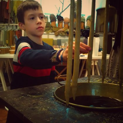 Vaikus tiesiog užburia šilto vaško kvapas